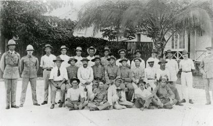 Volunteers - Frank Geddes Collection, NT Library